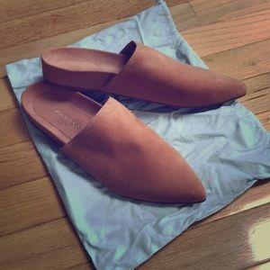 Barely worn Stuart Weitzman Nappa studio mules